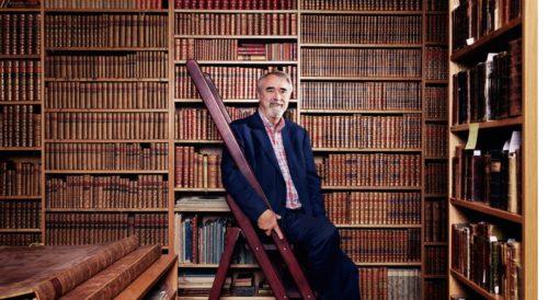 Percy Barnevik i sitt bibliotek som säkert är flera kilometer långt. Percy var  modellen för ett  bra ledarskap under 1980- och 1990-talet.